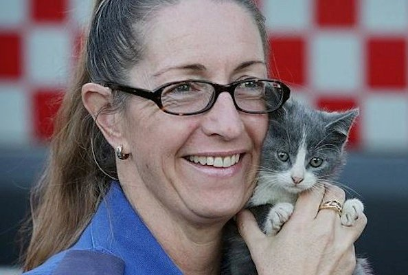 Kitten Rescued From Burning Home is Revived With Oxygen
